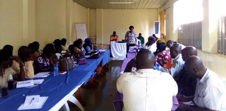 Heads up! Engaging headteachers in Hoima, Uganda